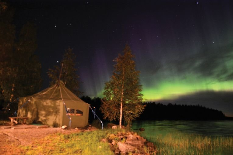 Sauna tent under the northern lights